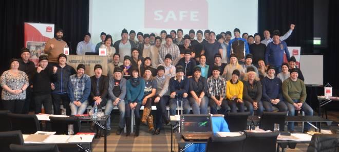 Delegater med kledelige SAFE-luer