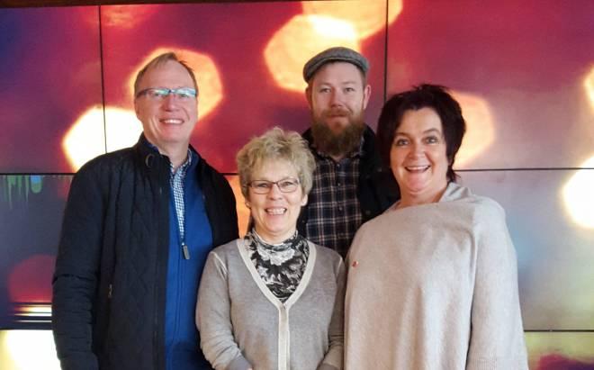 Roger Amundsgård, Hilde Hysing-Dahl, Anders Jansen og Anita Rugland. Birthe Nesse var ikke tilstede. I tillegg er Andre Kristiansen og Hans Kolbjørn Pedersen vara ikke på bilde.