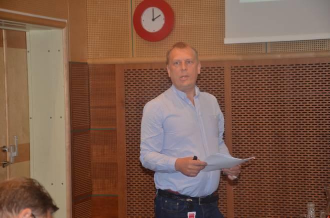 Geir Jonny Tvedt oppsummerer gruppediskusjonen