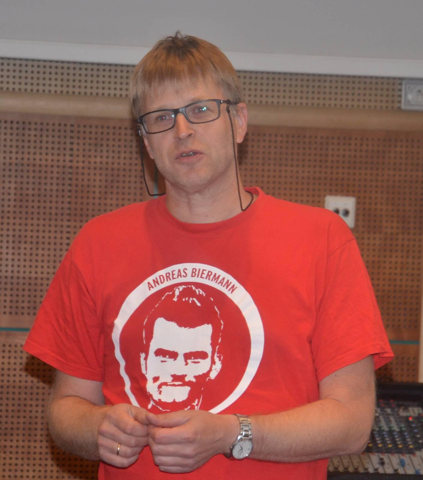 Levard Olsen-Hagen oppsummerer for sin gruppe