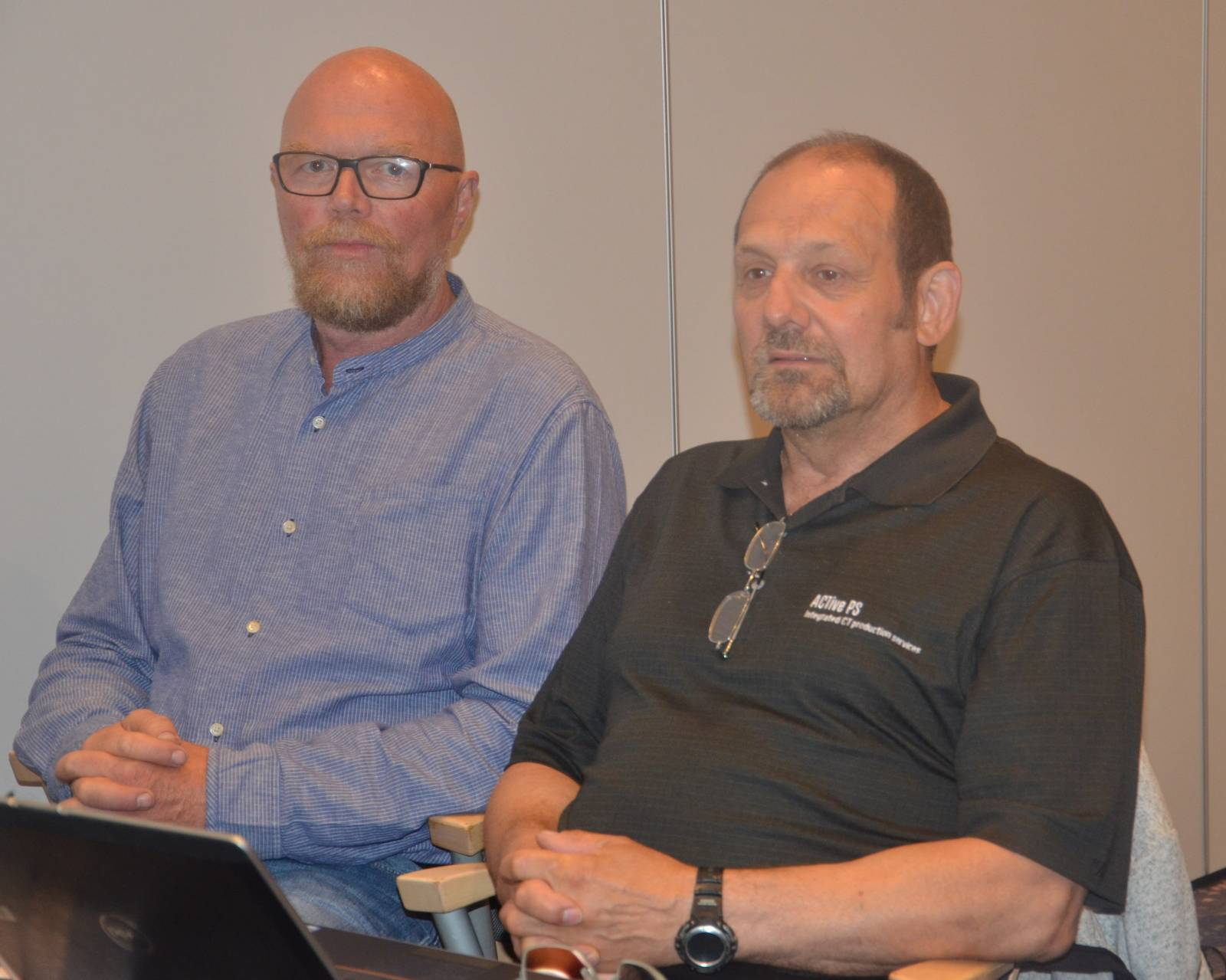 Lyttende, Rolf Onarheim og Stig-Arne Pedersen fra brønnservice