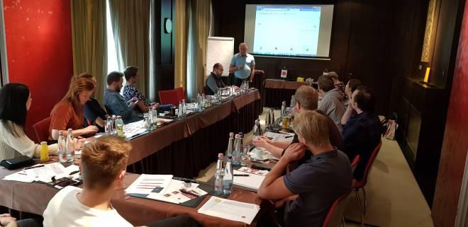 Klubbleder Terje har foredrag om Safe i Equinor klubben. fremtiden