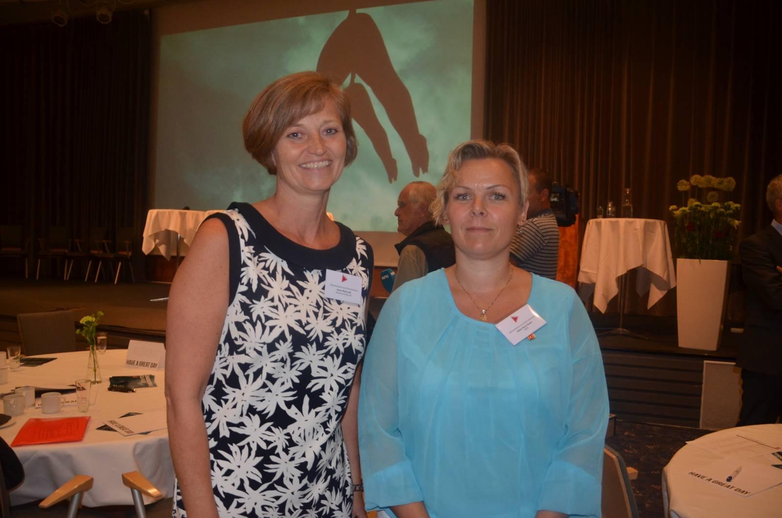 Ptil-direktør Anne Myhrvold og forbundsleder i SAFE, Hilde-Marit Rysst under Sikkerhetsforums årskonferanse i 2016.