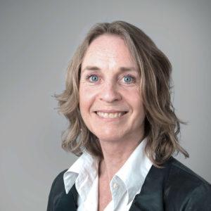 Hege J. Wold Juridisk rådgiver i Compendia med 15 års erfaring innen kontraktsrett og arbeidsrett. Hun har også jobbet mange år som journalist. Foto: Compendia